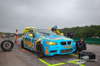 Pit stop for #13 Rum Bum Racing BMW M3 Coupe: Nick Longhi, Matt Plumb