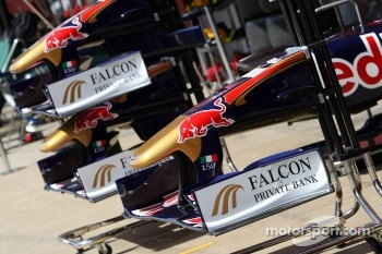 The front wing of the Scuderia Torro Rosso