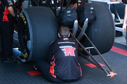 team kalitta checking details
