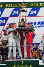 LMP1 podium: race winners Marcel Fssler, Andre Lotterer, Benoit Trluyer