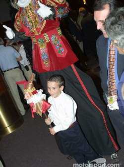 A happy kid with Cirque du Soleil performer