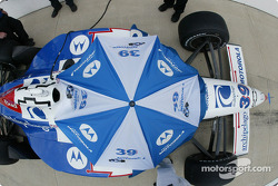 Michael Andretti under the umbrella