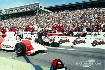 Pitstop competition: Gil de Ferran and Al Unser Jr.