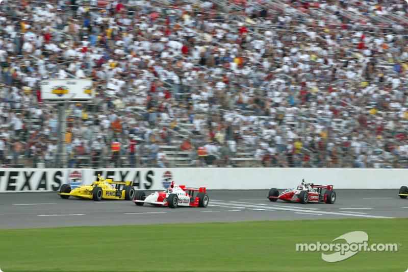 Il duello finale con Hornish. motorsport.com; Ron McQueeney, 2002