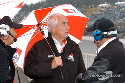 Roger Penske talks with IRL VP of operations Brian Barnhart