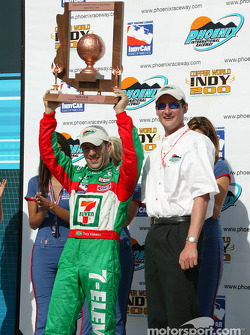 Tony Kanaan receives winner's trophy