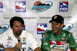 Michael Andretti and Tony Kanaan after qualifying