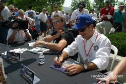 Autograph session: Felipe Giaffone and A.J. Foyt IV