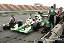 Andretti Green Racing prepares for practice