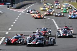 #6 Toyota Racing, Toyota TS050 Hybrid: Stéphane Sarrazin, Mike Conway, Kamui Kobayashi, #1 Porsche Team, Porsche 919 Hybrid: Timo Bernhard, Mark Webber, Brendon Hartley