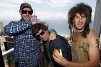 Supercars Fotoğraflar - JDub (Jamie Whincup) ve Gizz (Shane van Gisbergen) ve TeamVortex takım arkadaşları Cappy (Craig Lowndes)