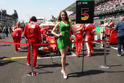 Grid girl for Sebastian Vettel, Ferrari SF16-H
