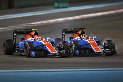Pascal Wehrlein, Manor Racing MRT05; Esteban Ocon, Manor Racing MRT05