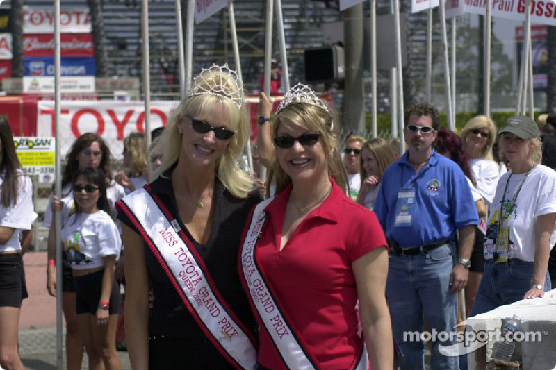 The Queen and the princess: the lovely Miss Toyota Grand Prix of Long Beach 2002
