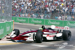 Tony Kanaan in trouble