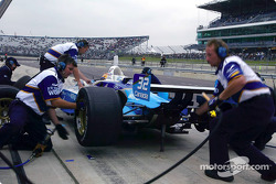 Pitstop practice for Patrick Carpentier