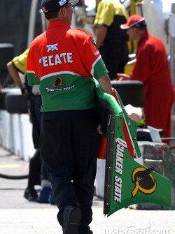 Front wing of Adrian Fernandez's car