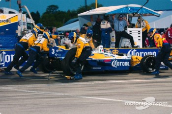 Pitstop for Rodolfo Lavin