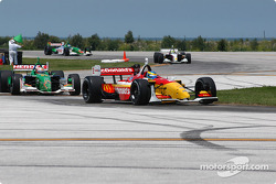 Sébastien Bourdais ahead of Mario Dominguez