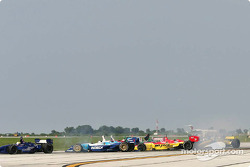 Start: Paul Tracy collides with Justin Wilson