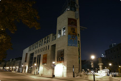 Montréal nightlights: Montréal Museum of Archaeology and History
