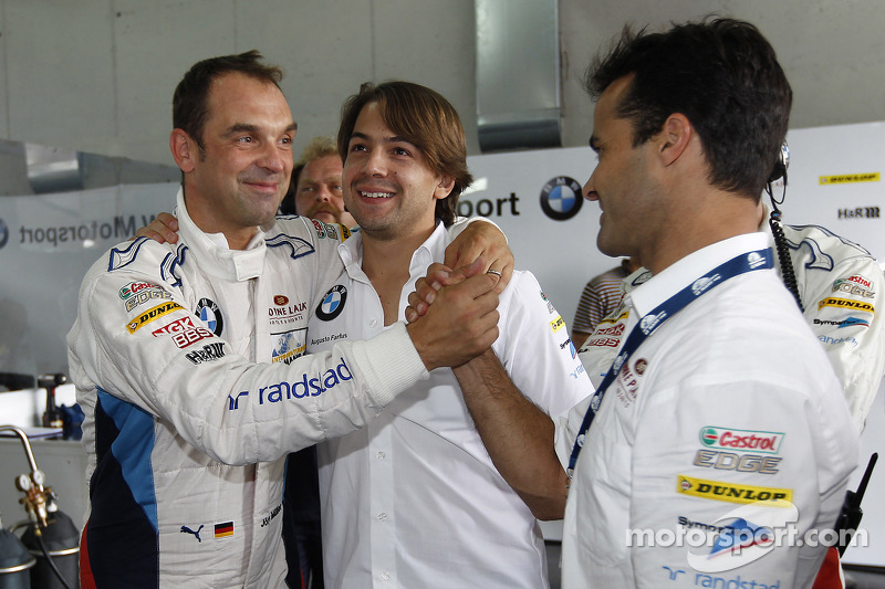 Jörg Muller and Augusto Farfus Jr. celebrate GTE pole with Pedro Lamy