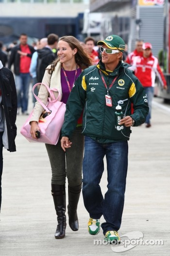 Catherine Hyde, girlfriend of Heikki Kovalainen and Heikki Kovalainen