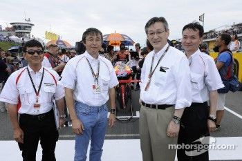 Bridgestone guests on the starting grid