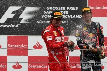 Podium: second place Fernando Alonso, Scuderia Ferrari, third place Mark Webber, Red Bull Racing