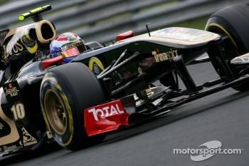 Vitaly Petrov, Lotus Renalut F1 Team