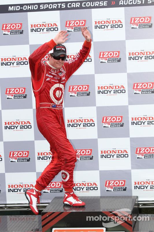 Race winner Scott Dixon, Target Chip Ganassi Racing