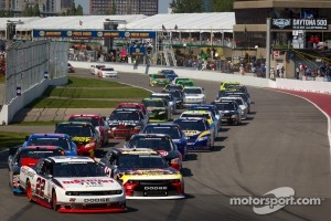 2012 Start: Jacques Villeneuve, Penske Racing Dodge leads the field