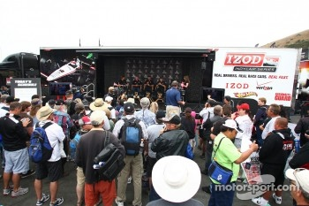 Mario Andretti, Michael Andretti and Marco Andretti meet the fans