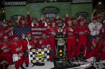 Victory lane: race winner Kevin Harvick, Richard Childress Racing Chevrolet celebrates