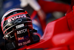The helmet of Mitch Evans