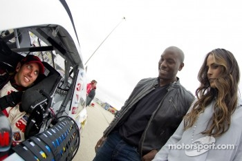 Greg Biffle, Roush Fenway Racing Ford with actor Tyrese Gibson and actress Jordana Brewster