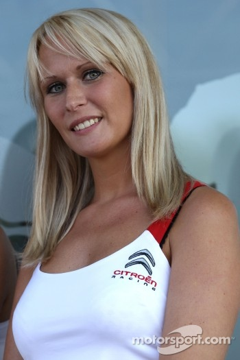 A charming Citroën girl