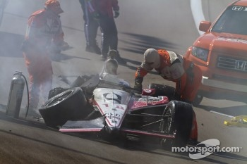 The damaged car of James Jakes, Dale Coyne Racing