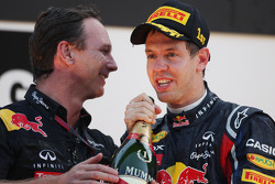 Podium: Christian Horner, Red Bull Racing, Sporting Director, and race winner Sebastian Vettel