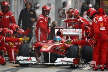 Fernando Alonso, Scuderia Ferrari  pit stop 