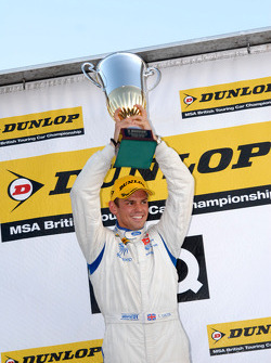 Round 30 Race Winner Tom Chilton, Team Aon