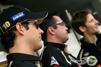 Bruno Senna, Renault F1 Team, Eric Boullier, Team Principal, Lotus Renault GP and Romain Grosjean, , Lotus Renault GP