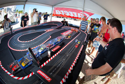 NASCAR Championship Drive in South Beach: Carrera slot cars competition