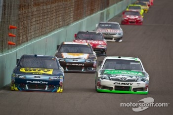 A.J. Allmendinger, Richard Petty Motorsports Ford, Kyle Busch, Joe Gibbs Racing Toyota