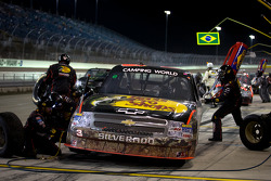 Pit stop for Austin Dillon, RCR Chevrolet