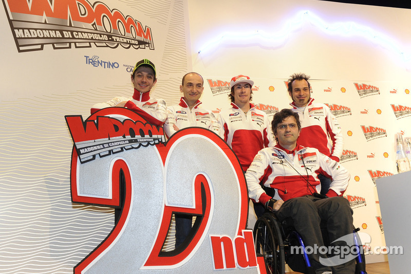 Filippo Preziosi, Ducati Corse General Manager, Nicky Hayden and Valentino Rossi