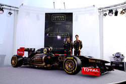 Kimi Raikkonen, Lotus Renault F1 Team and Romain Grosjean, Lotus Renault F1 Team