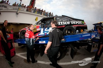 The wrecked car of Tony Stewart, Stewart-Haas Racing Chevrolet