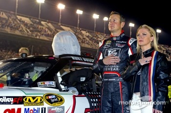 Kurt Busch, Phoenix Racing Chevrolet with his girlfriend Patricia Driscoll