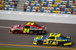 Jeff Gordon, Hendrick Motorsports Chevrolet, Matt Kenseth, Roush Fenway Racing Ford